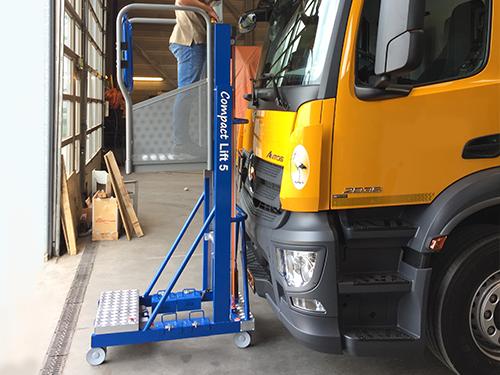 Compact lift blauw masthoogwerker